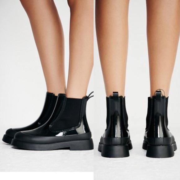 0a1d247b4dc LIKE NEW Puddle Jumping Rain Boot Shiny